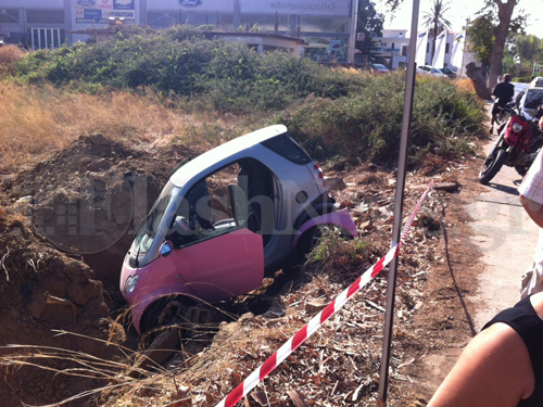 Αυτοκίνητο βρέθηκε σε χαντάκι στη Λ. Σούδας στα Χανιά