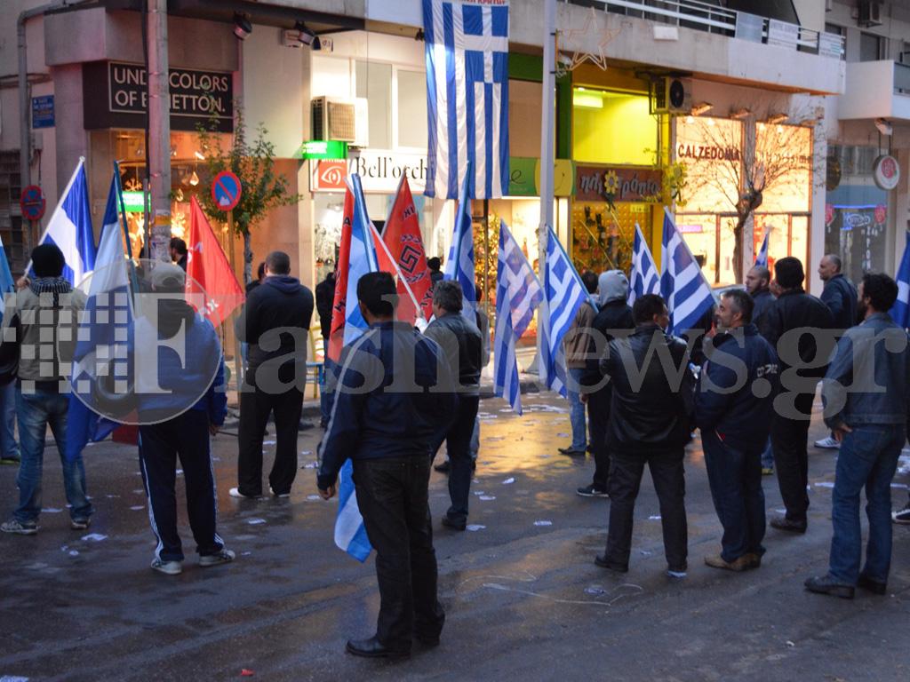 Ένταση στο κέντρο των Χανίων λόγω συγκεντρώσεων Χ.Α. και αντιφασιστών (φωτο)