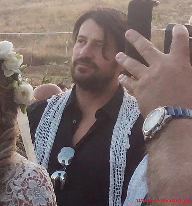 Κουμπάρος σε κρητικό γάμο ο Αλέξης Γεωργούλης (Photos)