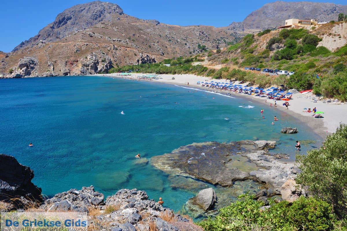 Κρήτη: Η κρυφή παραλία της Σούδας με το εντυπωσιακό ποταμάκι! (Photos)