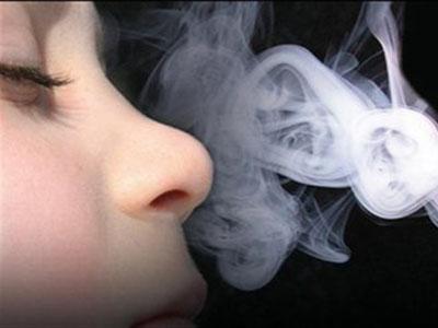 600.000 άνθρωποι πεθαίνουν από τον καπνό των άλλων!