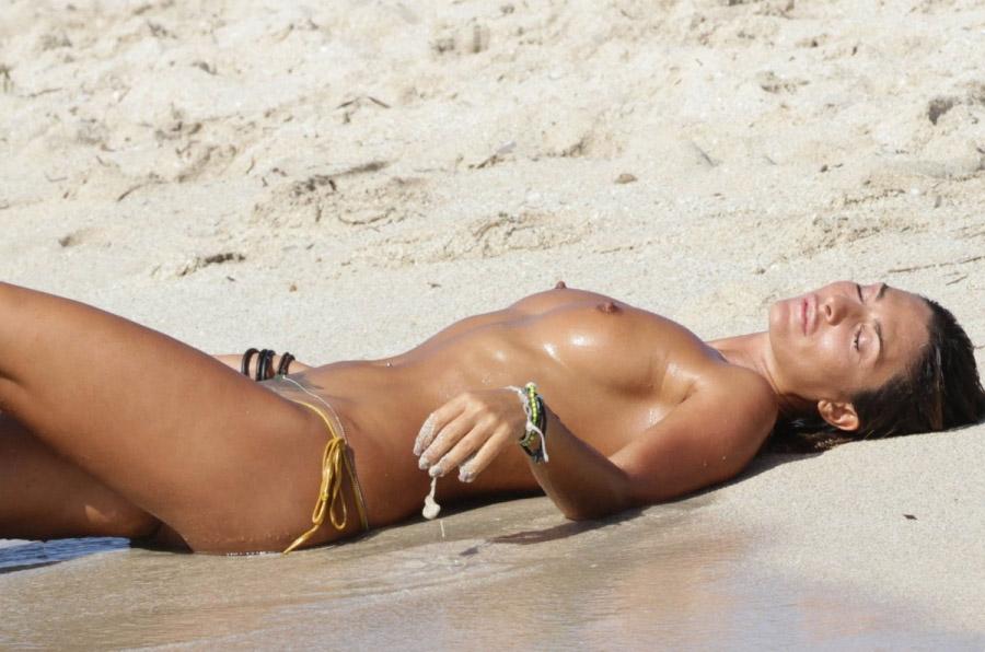 Sexy Bikini Girls And Naked Women Photos