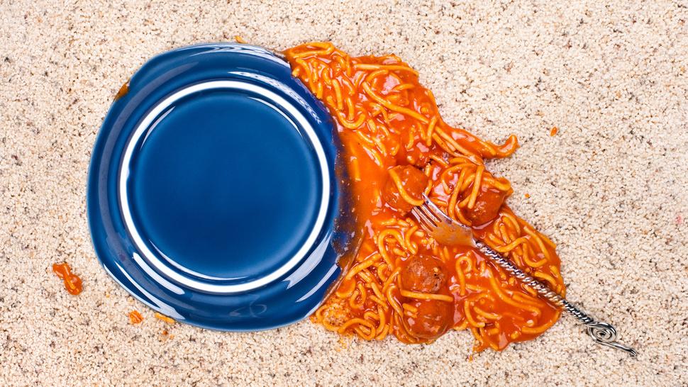 Γιατί δεν πρέπει να τρως φαγητό που έχει πέσει στο πάτωμα;