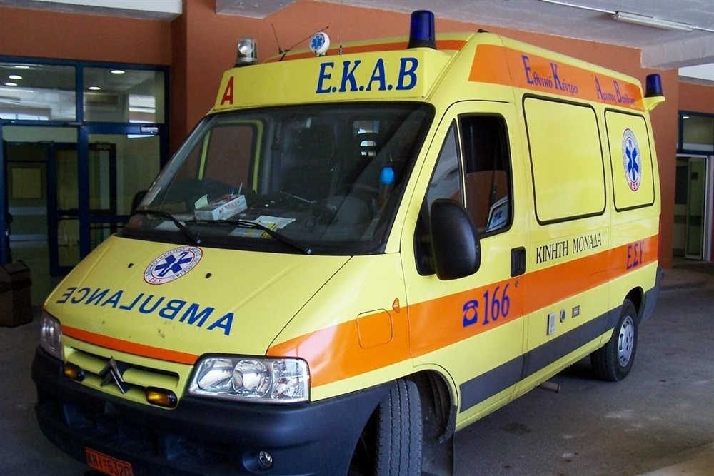 Χανιά: Ι.Χ παρέσυρε πεζό στην οδό Κυδωνίας και τον εγκατέλειψε