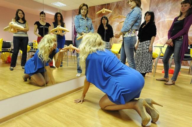 Στην Ρωσία παραδίδονται μαθήματα για το καλό στοματικό έρωτα! (photos)