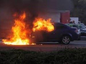 Χανιά: Αυτοκίνητο τυλίχτηκε στις φλόγες μετά από ατύχημα - Ένας τραυματίας