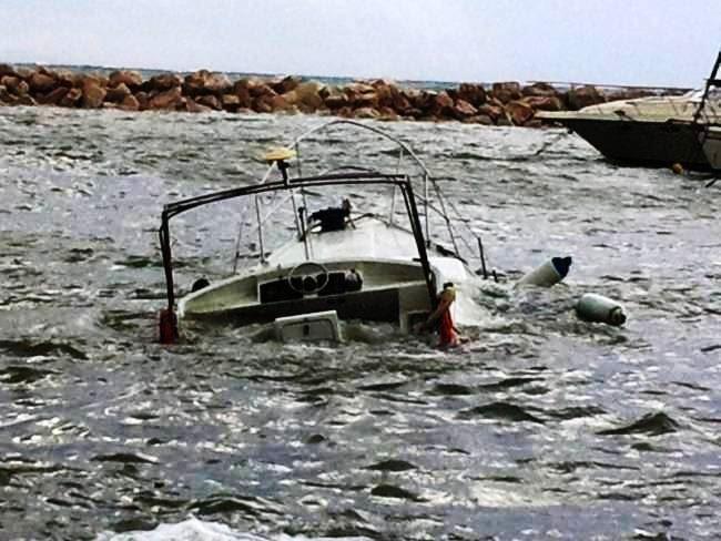 Βυθίστηκε σκάφος στα Χανιά - Περιπέτεια για πέντε επιβαίνοντες