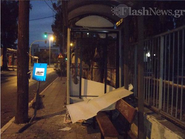 Χανιά: Τροχαίο ατύχημα στη Λεωφόρο Σούδας στα Χανιά - Οδηγός τα πήρε όλα και έφυγε (φωτο)
