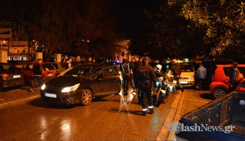 Αναστάτωση στο κέντρο των Χανίων - Πιάστηκαν στα χέρια στη μέση του δρόμου