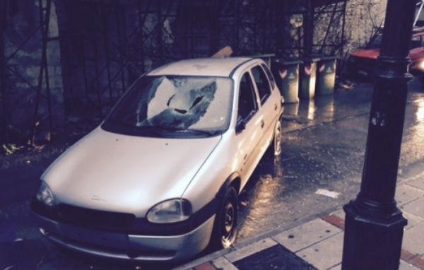 Κρήτη: Παράτησαν το αυτοκίνητο στη μέση του δρόμου !