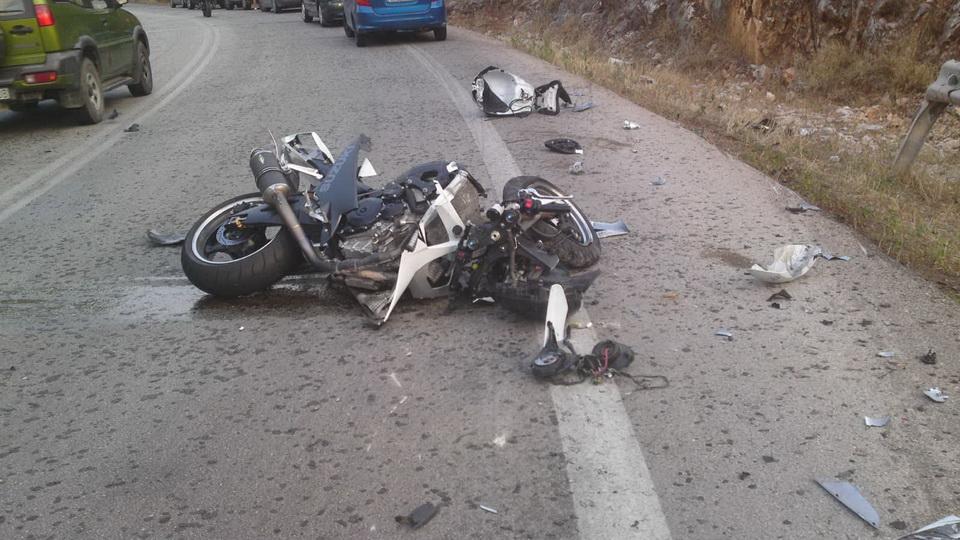 Ένας νέος μοτοσικλετιστής νεκρός στην άσφαλτο στην Παλαιόχωρα