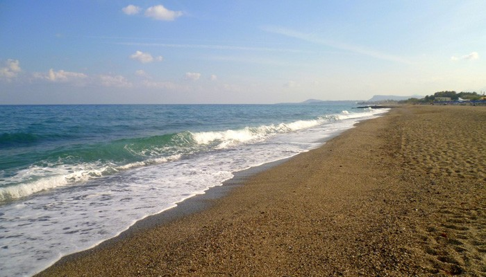 Κρήτη: Κολυμπούσαν δίπλα σε… νάρκη!