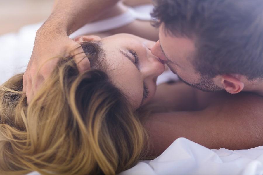 Τα 5 μυστικά των ζευγαριών που κάνουν τέλειο σεξ μετά από πολλά χρόνια σχέσης