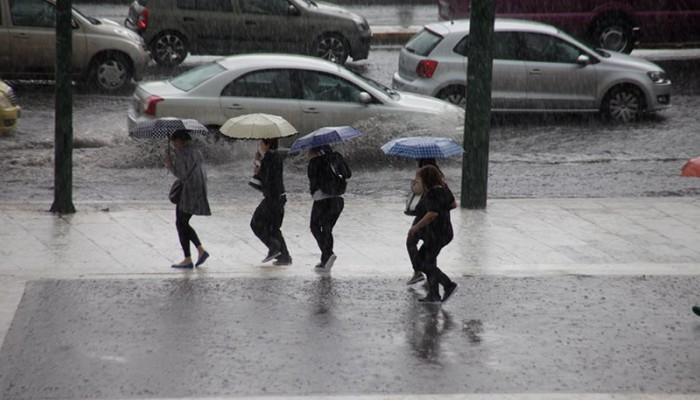 Με βροχές η επιστροφή των εκδρομέων