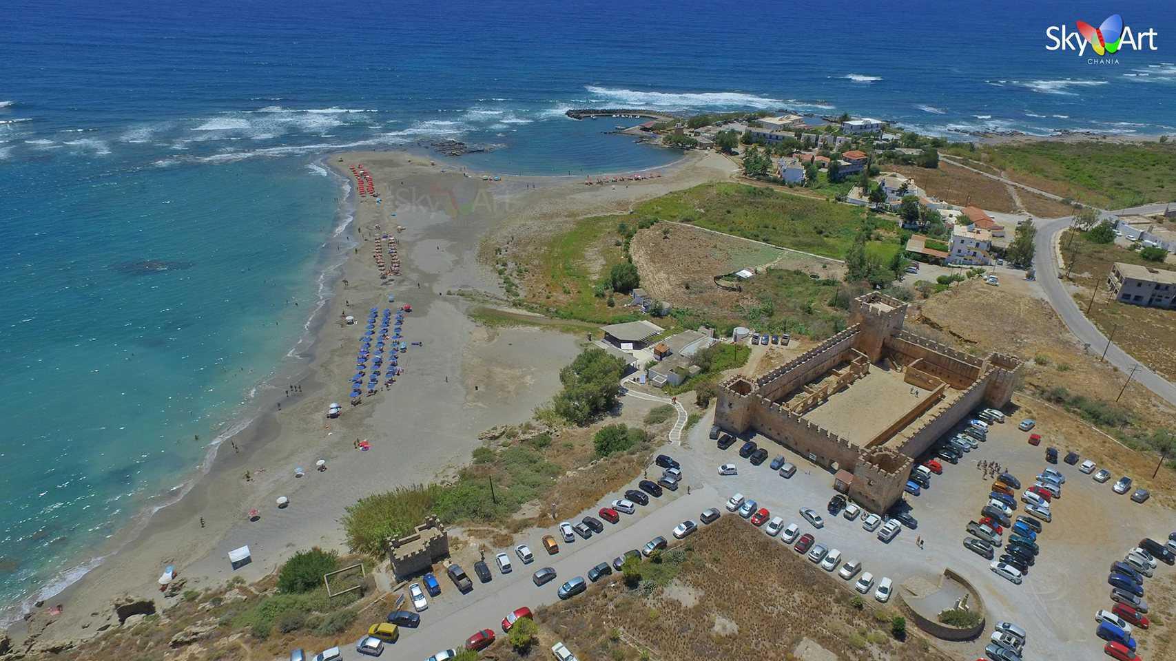 Χανιά: Το μεσαιωνικό κάστρο και η παραλία του Φραγκοκάστελου από ψηλά Μοναδικό βίντεο