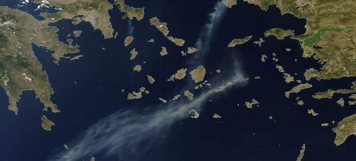 Ο καπνός από τη φωτιά στη Χίο έφτασε μέχρι την Κρήτη Δείτε τη φωτογραφία της NASA