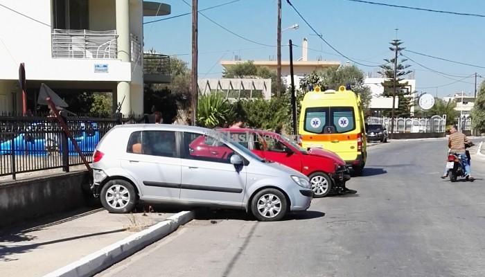 Τροχαίο ατύχημα σε παράδρομο της Λεωφόρου Σούδας με αποτέλεσμα τον τραυματισμό ενός 25χρονου