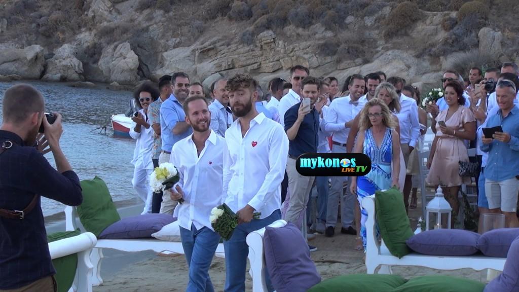 O πρώτος gay γάμος στη Μύκονο είναι γεγονός