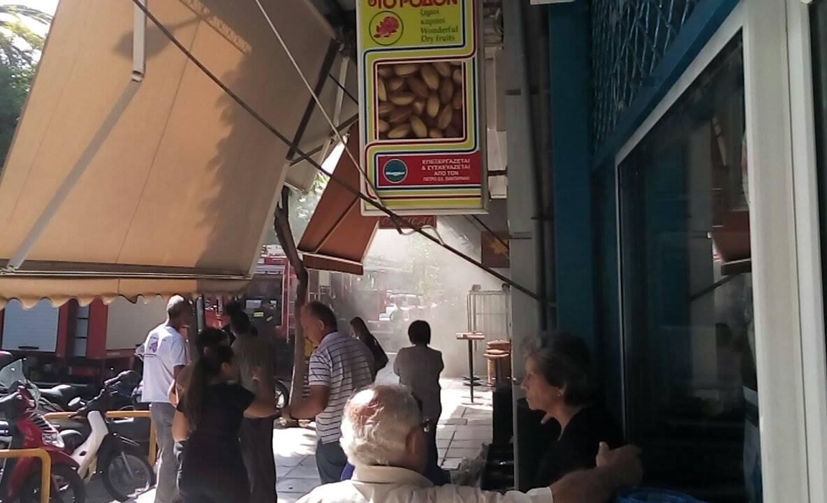Φωτιά σε super market στο κέντρο των Χανίων (φωτο)