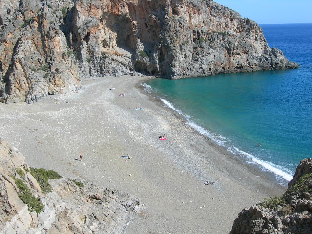 Μία από τις πιο όμορφες παραλίες της Κρήτης σε ένα εντυπωσιακό βίντεο (video)