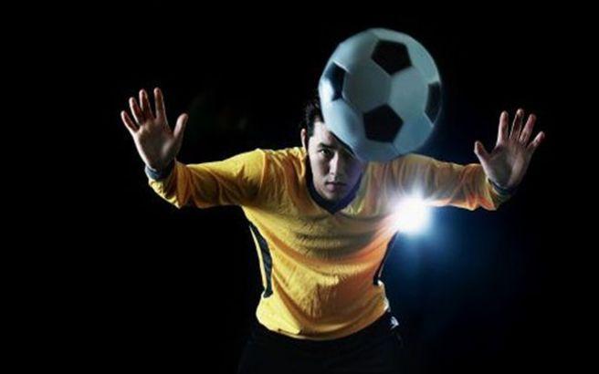 Οι κεφαλιές στο ποδόσφαιρο αλλάζουν αμέσως τον εγκέφαλο