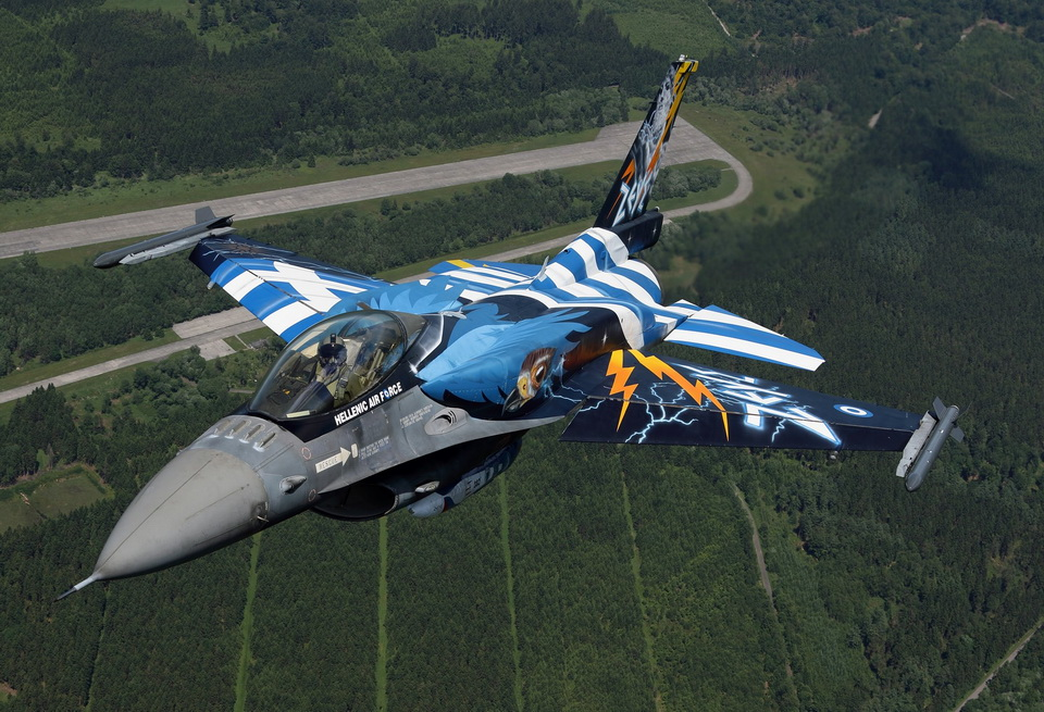 Χανιά: Ετοιμάζονται για νέα ακροβατικά με το F-16 οι ομάδα «ZEUS»