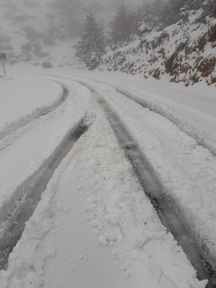 Χανιά: Η επέλαση του χιονιά ! Κλειστός ο δρόμος προς τον Ομαλό (Photo)