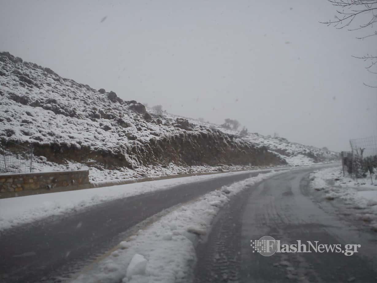 Χανιά: Κλειστός από το χιόνι ο δρόμος προς Ομαλό - Προβλήματα στις ορεινές περιοχές