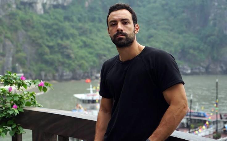 Ο Σάκης Τανιμανίδης ετοιμάζεται να ντυθεί γαμπρός