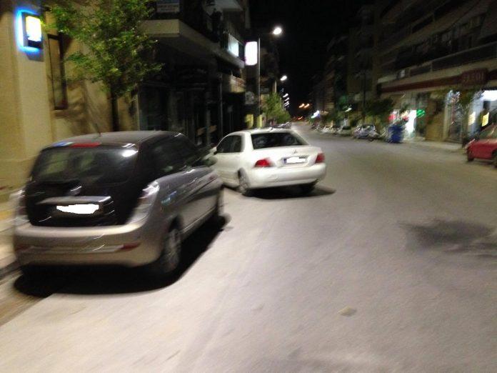 Χανιά: Δεν υπάρχει σωτηρία! Η τρέλα με τις μετακινήσεις Ι.Χ στη μέση του δρόμου συνεχίζεται (Photos)