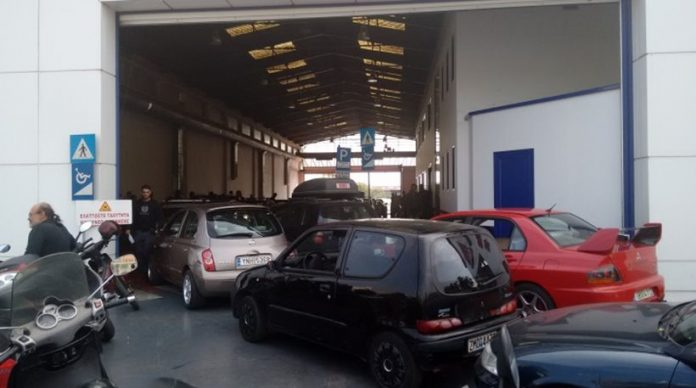 Έρχεται πρόστιμο έως 650 ευρώ για 2,2 εκατ. ιδιοκτήτες αυτοκινήτων και μηχανών