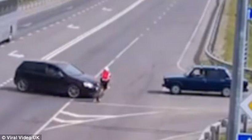 Είχε Άγιο: Απίστευτο τροχαίο για ποδηλάτη που τη γλίτωσε μόνο με αμυχές