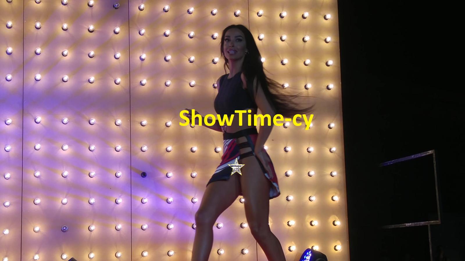 Η Ελένη Φουρέιρα χωρίς εσώρουχο στην σκηνή (φωτο)
