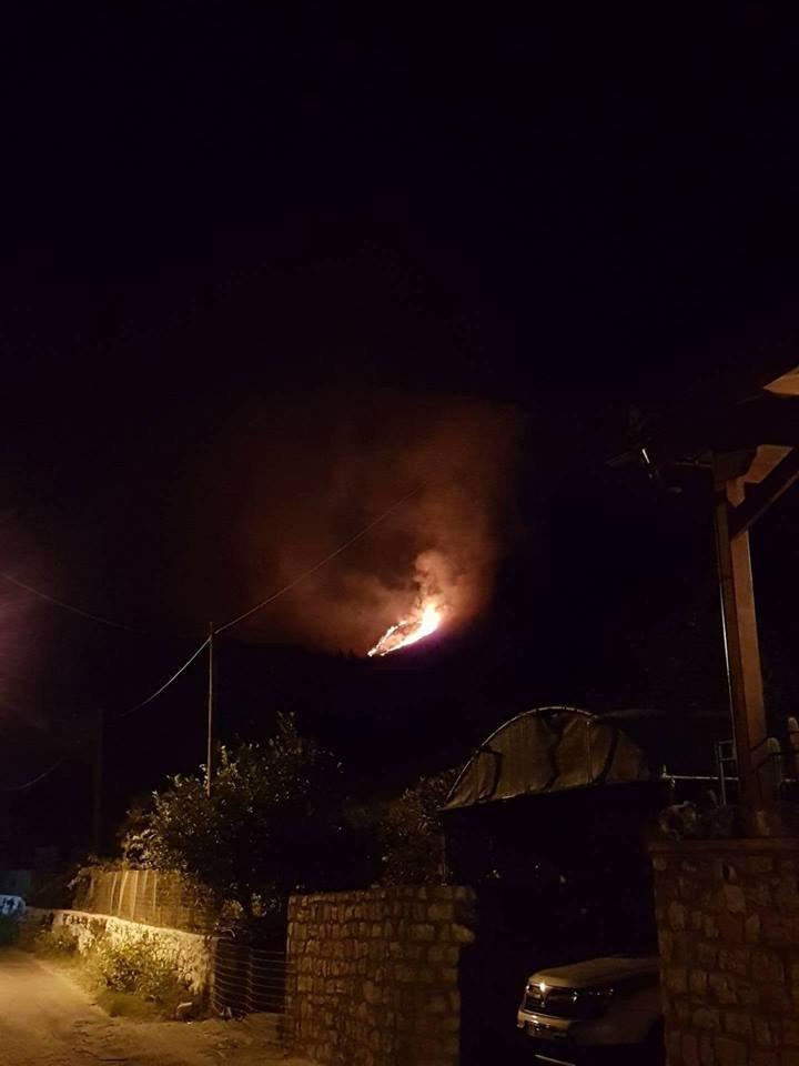 Φωτιά σε εξέλιξη στη μαδάρα του Αποκόρωνα Χανίων (φωτο)