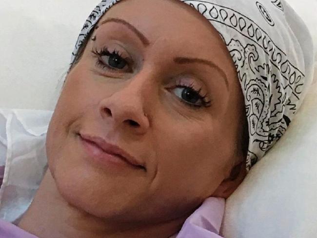Καρκινοπαθής σώθηκε από τη νυν γυναίκα του πρώην συζύγου της