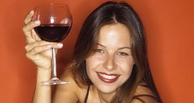 Αλκοόλ και ευφυΐα: Δείτε ποιο ποτό προτιμούν οι… έξυπνοι