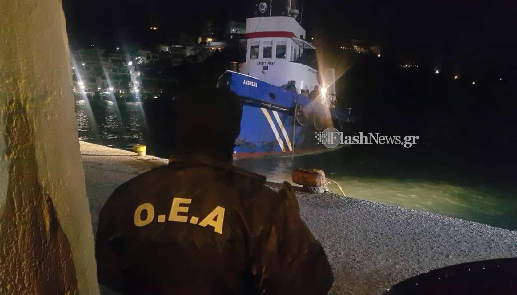 Ρεσάλτο των ειδικών δυνάμεων του λιμενικού Χανίων σε πλοίο τη νύχτα (φωτο)