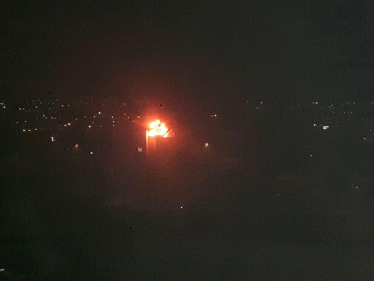 Χανιά: Φωτιά σε ταράτσα πολυκατοικίας στον Αγ. Ιωάννη (φωτο)