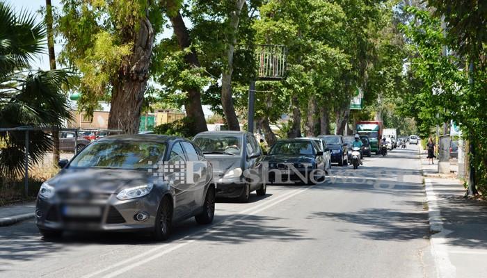 Χανιά: Τροχαίο ατύχημα με τραυματισμό προκάλεσε μποτιλιάρισμα στην Λ.Σούδας (φωτο)