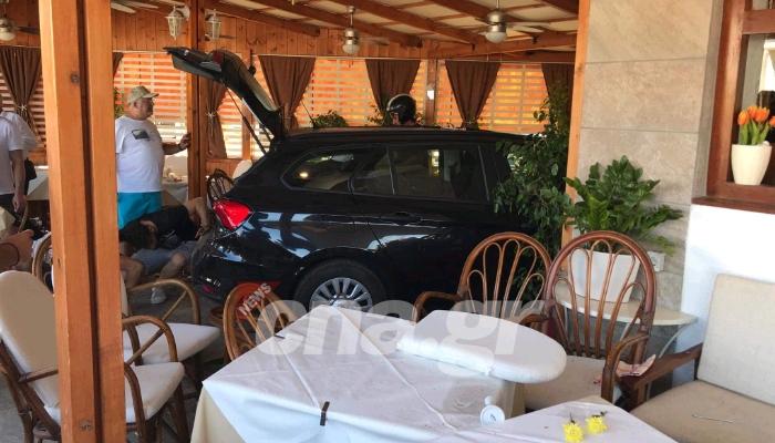 Κρήτη:Οδηγός έχασε τον έλεγχο και «μπούκαρε» σε εστιατόριο (Photos)