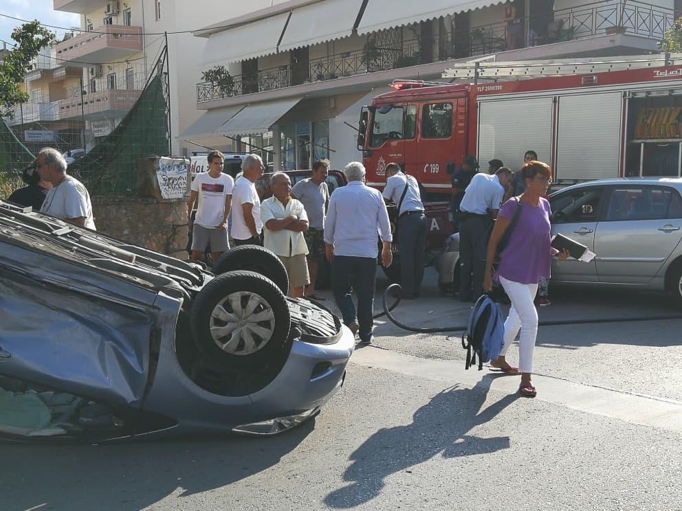Χανιά: Τούμπαρε αυτοκίνητο μετά από τροχαίο – Στο νοσοκομείο τρία άτομα (Photos)