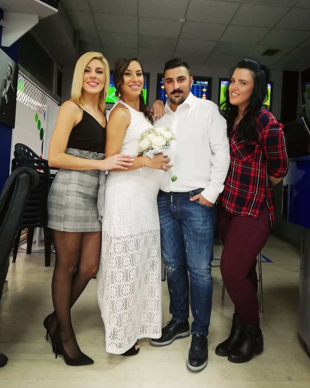 Ο αδερφός του Παντελή Παντελίδη παντρεύτηκε την έγκυο Πωλίνα από το Καφέ της Χαράς (Photos)