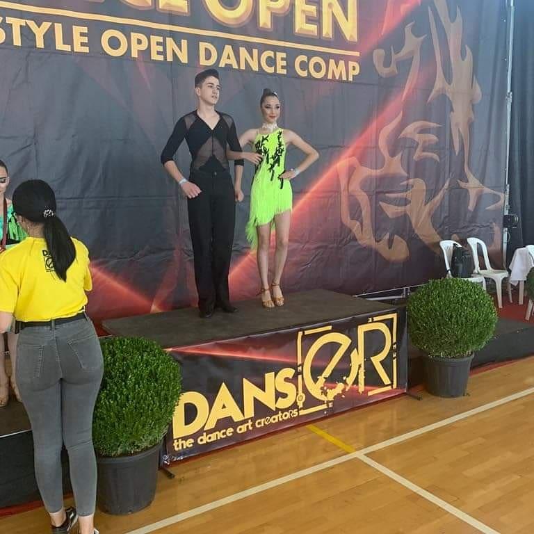 Σημαντικές διακρίσεις απέσπασε Χανιώτικη σχολή χορού σε διεθνή διαγωνισμό χορού