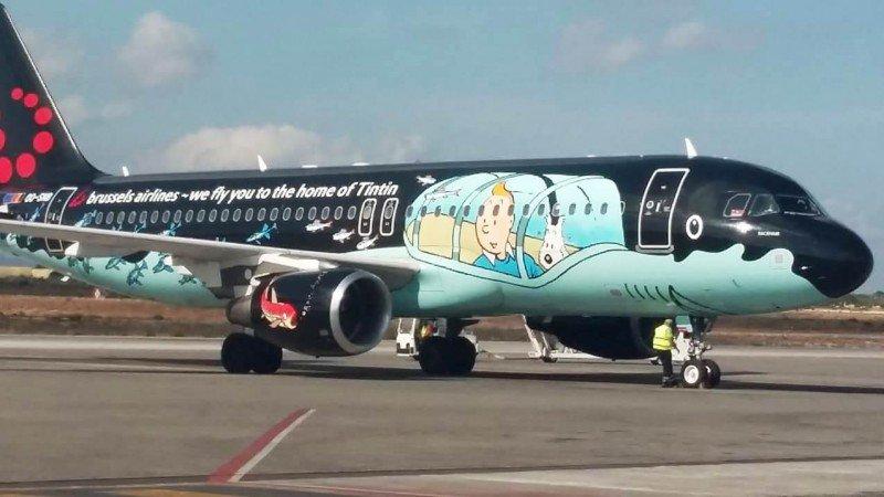 Ο διάσημος Τεν Τεν «προσγειώθηκε» στο αεροδρόμιο Χανίων (φωτο)