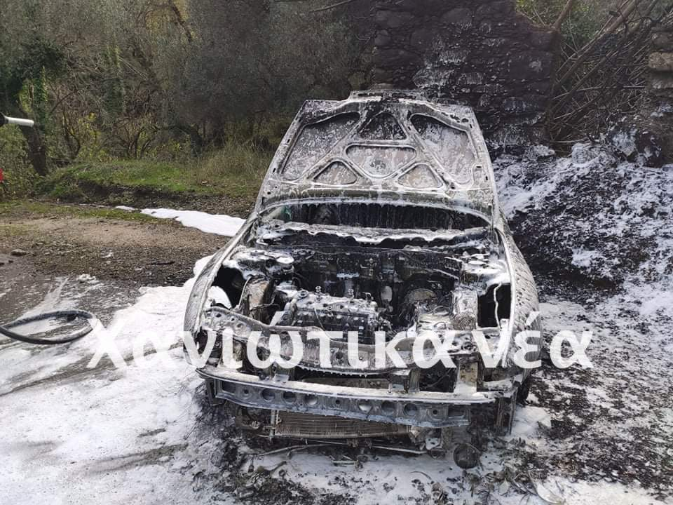 Χανιά: Παρανάλωμα του πυρός αυτοκίνητο (φωτο)