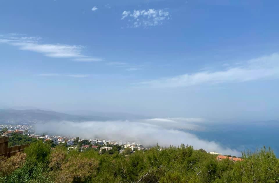 Χανιά: Μυστηριώδεις ομίχλη εξαφάνισε το φάρο (φωτο)