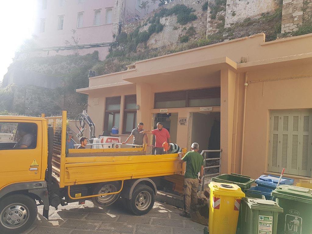 Χανιά: Αλλάζουν οι τουαλέτες στο Ενετικό Λιμάνι! (φωτο)