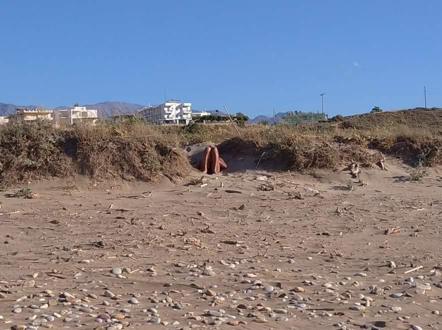 Χανιά: 60χρονο αυνανιζόταν σε κεντρική παραλία μπροστά σε ανυποψίαστα κορίτσια (φωτο)