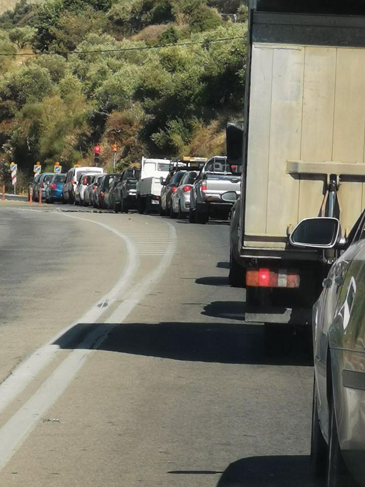 Απίστευτο επέστρεψαν τα φανάρια και πάλι στην Εθνική οδό στα Χανιά (φωτο)