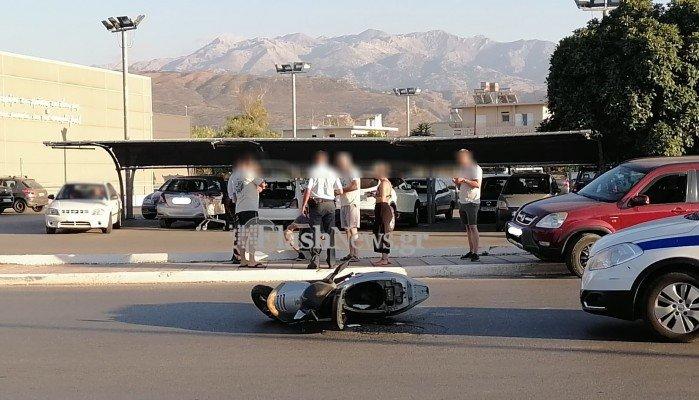 Χανιά: Μηχανάκι συγκρούστηκε με αυτοκίνητο (φωτο)